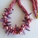 Matt rózsaszín és lila csavart mintás közepű nyaklánc