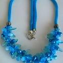 Türkiszkék  és kék színű különleges gyöngyökből fonott nyaklánc, Ékszer, Nyaklánc, A nyaklánc középső része halványkék és petrolkék cseppgyöngyök, átlátszó vízkék lándzsagyöngyök, kül..., Meska