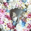 Nyuszis kopogtató, Dekoráció, Húsvéti díszek, Ünnepi dekoráció, Virágkötés, A vessző alapra egy tojásból kikukucskáló nyuszit ültettem, és virágokkal kereteztem. Bájos húsvéti..., Meska