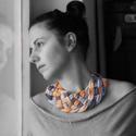 fonott nyaklánc pasztell narancssárga, szürke és nyers fehér színekben - kötött ékszer, Ékszer, óra, Nyaklánc, Pasztell narancssárga, szürke és nyers fehér színátmenetes, pamut fonalból kötött - fonott nyaklánc,..., Meska