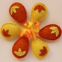 Húsvéti filctojások, sárga-narancssárga színű, Dekoráció, Húsvéti díszek, Ünnepi dekoráció, Sárga-narancssárga színű, három kis levélkével díszített, teljes egészében kézzel öltö..., Meska