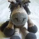 ló (deres), Játék, Dekoráció, Baba-mama-gyerek, Játékfigura, Baba-és bábkészítés, Horgolás, horgolt ló, mely saját terveim alapján készült. mérete: kb 35-40 cm kinyújtott lábakkal (nem tud ál..., Meska