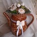 """,Vidéki Romantika """"Kerámia Virágok Teás Kancsóban, Dekoráció, Otthon, lakberendezés, Kaspó, virágtartó, váza, korsó, cserép, Dísz, Asztaldísz, Kerámia, Virágkötés, Fehér agyagból aprólékos kézi munkával készült mázas kerámia virágok , bimbók és levelek melyeket e..., Meska"""