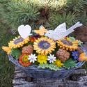 Kerámia Napraforgós Asztaldísz, Esküvő, Otthon, lakberendezés, Dekoráció, Esküvői dekoráció, Kerámia, Virágkötés,  Üdítő,minden féle  szépséggel megrakott kosárka!Fehér agyagból aprólékos kézi munkával készült máz..., Meska
