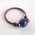 Lápis lazuli gyűrű , Ékszer, Gyűrű, 8 mm átmérőjű szabályos gömb alakú lazúrkő (lápis lazuli) ásványgyöngy díszíti ezt az egyszerű, anti..., Meska