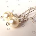 Egyszerű elegancia - fehér swarovski, Ékszer, Fülbevaló, 8 mm-es  ekrü swarovski tekla gyöngy az alapja ennek az egyszerűen elegáns fülbevalónak. Ezüs..., Meska