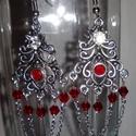 Piros kristályos füli, Ékszer, Fülbevaló, Tibeti ezüst medált díszítettem piros csiszolt gyöngyökkel és strasszal. Nikkel mentes fülih..., Meska
