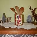 Hóemberes karácsonyi tároló doboz, Dekoráció, Konyhafelszerelés, Ünnepi dekoráció, Fűszertartó, Decoupage, transzfer és szalvétatechnika, Festett tárgyak, Minőségi fémdoboz felhasználásával készítettem ezt a karácsonyi tárolót.   A doboz segít megőrizni ..., Meska