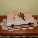 Mókás apróságok az ifjú párnak! - FELTÖLTVE  - Nászajándék doboz, Dekoráció, Esküvő, Nászajándék, 12 rekeszes fadoboz esküvőre, lánybúcsúra, eljegyzésre.  A doboz kasírozással készült, majd többször..., Meska