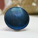 Kék metálfényű mono gyűrű, Különleges darab ez a selymes, fényes gombfej b...