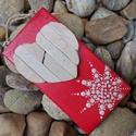 Piros fehér vintage mozaik szív  kavics kép- 3D falikép dekoráció természetes kő kép, Otthon & lakás, Dekoráció, Lakberendezés, Falikép, A kép kézműves technikával készült, természetes alapanyagokból.   Kampó és akasztó nélkül mérve az a..., Meska
