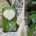 Zöld fehér vintage mozaik szív  kavics kép- 3D falikép dekoráció természetes kő kép, Otthon & lakás, Dekoráció, Lakberendezés, Falikép, A kép kézműves technikával készült, természetes alapanyagokból.   Kampó és akasztó nélkül mérve az a..., Meska
