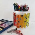 Színátmenetes szivárványos ceruza tartó, nagyméretű mozaik asztali ceruzatartó, ecset tároló, hordó tolltartó, fa bödön, Gyerek & játék, Otthon & lakás, Gyerekszoba, Tárolóeszköz - gyerekszobába, Méretes, feltünő, stabil és látványos tolltartó.  Különleges hordó alakú fa ceruzatartó, színes vidá..., Meska