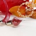 Varázs üvegcse medál, piros csillámos szelence, Ékszer, Medál, Feltünő gömb csepp medál ez a kedves üvegcse amely megőrzi és magában hordozza Alíz csillogó Csodaor..., Meska