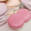 Rózsaszín valódi bőr klasszikus mono makaron fülbevaló, Az ár egy pár fülbevalóra vonatkozik.  Elegán...