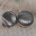 Selymes ezüstfényű makaron fülbevaló, Az ár egy pár fülbevalóra vonatkozik.  Elegán...