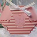Kislány pelenkaalakú ajándékkísérő,üdvözlőlap : HMB2106_27, Nagyon kedves, aranyos kis 3D pelenka :D szaténsz...