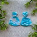 ODETT tengerkék nyári gyurma fülbevaló, Ékszer, Fülbevaló, Lógó fülbevaló, Gyurma, Ékszerkészítés, Kézzel készült egyedi fülbevaló, kék és átlátszó süthető ékszergyurma felhasználásával. Ezüstszínű ..., Meska