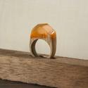 Narancs gyűrű, Ékszer, óra, Gyűrű, Famegmunkálás, Mindenmás, Tölgyfából és műgyantából készített gyűrű.  A gyűrű formájától, méretétől függően kifűrészelem az f..., Meska