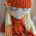 Nary egyedi textilbaba, Gyerek & játék, Otthon & lakás, Gyerekszoba, Dekoráció, Baba-és bábkészítés, Varrás, Egyedi kézzel készített textilbaba. Részben öltöztethető, arca hímzett. A baba ülni és feküdni képe..., Meska