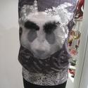 pandás felső, Ruha, divat, cipő, Női ruha, Felsőrész, póló, Rugalmas pamut-viszkóz  alapanyag, hatalmas pandafejjel díszítve, tollas szemöldökkel, csipkés..., Meska