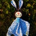 Nyúl Berci alvós nyuszi, Baba-mama-gyerek, Játék, Baba játék, Játékfigura, Nyúl Bori és Nyúl Berci plüss, flanel, pamut és filc anyagból készült, ruháján színes sza..., Meska