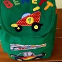 Autós hátizsák, Baba-mama-gyerek, Táska, Baba-mama kellék, Hátizsák, Foltberakás, Varrás, A hátizsák óvodásoknak és kisiskolásoknak készült. Anyaga: zöld sávolyvászon, belseje autó mintás p..., Meska