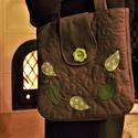 Leveles női táska, Táska, Válltáska, oldaltáska, A tavaszt megidéző üde zöld levelek díszítik ezt a barna válltáskát. Belül osztott zseb ta..., Meska