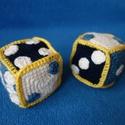Horgolt játék dobókocka, Játék, Baba játék, 2 db kézzel horgolt játék dobókocka. Méretei: kb 8*8*8 cm. A pöttyök elhelyezkedése szabály..., Meska