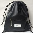 fekete Jim-bag hátizsák elől cipzáros zsebbel, Táska, Hátizsák, Ez a hátizsák, egy klasszikus jim bag. táska mérete: magasság: 47 cm, szélesség 40 cm,  anyaga: feke..., Meska