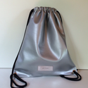 Gym bag ezüst textilbőr fekete kötéllel, Táska, Férfi táska,  Ez a hátizsák, egy klasszikus gym -bag. táska mérete: magasság: 47 cm, szélesség 40 cm,  anyaga: se..., Meska
