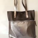 Mobile bag 2 részes táska oldaltáska  iron-ezüstös alj, Táska, Válltáska, oldaltáska, Hátizsák, Szatyor,   Mobile bag elnevezés abból adódik, hogy ez a táska mobilokból áll. 1. mobil - felsőrész: tiszta bő..., Meska