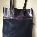 MOBILE BAG limitált sötétkék lakk felsőrész-sötétkék fényes alsórész, Táska, Válltáska, oldaltáska, Hátizsák, Szatyor, Mobile bag limitált kiadású darabjainak egyike.  Mobile bag elnevezés abból adódik, hogy ez a táska ..., Meska