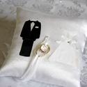 """""""Szerelmesek"""" gyűrűpárna, Esküvő, Gyűrűpárna, Elegáns gyűrűpárna örök romantikusoknak!  Fényes, szatén selyem anyagból készült gyűrűpárna, melyet ..., Meska"""