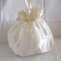 Strasszköves menyasszonyi szütyő, új, nagy, Esküvő, Tükörfényű szatén selyem anyagból készült klasszikus, buggyos menyasszonyi kis táska az apr..., Meska