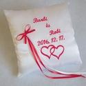 Hímzett gyűrűpárna - 16x16cm, Dekoráció, Esküvő, Gyűrűpárna, A nagy nap legszebb kiegészítője lesz, ez a gyönyörű, névvel és dátummal valamit dupla szív mintával..., Meska