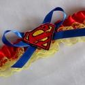 Superman szatén combcsipke esküvőre, Esküvő, Szuper kiegészítő a szuperhősök kedvesének!   Piros szatén szalaggal és citromsárga csipkével készül..., Meska