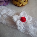 Rózsabimbó gyerek fejdísz, hajdísz , Esküvő, Meseszép dupla muszlin virággal és egy apró elegáns piros szatén rózsával díszített gyerek..., Meska
