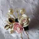Porcelán rózsás, üveg gyöngyös nagy hajtű, hajdísz, Esküvő, Esküvői ékszer, Elegáns porcelán rózsával, üveg és tekla gyöngyökkel díszített meseszép hajtű.  Kiváló..., Meska