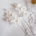 Sok virágos hajtű - fehér, Esküvő, Ékszer, Elegáns sok-sok hófehér virágból álló hajtű, melyek minden frizurát kiemelnek. A virágszirmok üveg h..., Meska