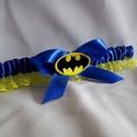 Batman királykék szatén combcsipke, Esküvő, Szuper kiegészítő a szuperhősök kedvesének!   Királykék szatén szalaggal és citromsárga csipkével ké..., Meska