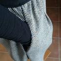 női szoknya 42-44-es méret, Ruha, divat, cipő, Női ruha, Szoknya, Varrás, Gumis derekú, rejtett zsebes női szoknya, 42-44-es konfekcióméret.  Lefele V alakban enyhén bővül. ..., Meska