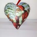 Dekorációs szív, Dekoráció, Karácsonyi, adventi apróságok, Ünnepi dekoráció, Karácsonyfadísz, Varrás, Decoupage, transzfer és szalvétatechnika, 10cm magas textil szív. Elejét szalvéta technikával díszítettem. A vékony szatén szalaggal karácson..., Meska