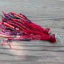 Meggyvörös gyöngyrojtos fülbevaló, Ékszer, Fülbevaló, Textil és gyöngy kollekcióm meggyvörös színű darabja. Bohém rojtos fülbevaló amolyan HErás fazon. Ha..., Meska