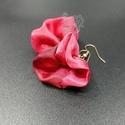 Bohém virág fülbevaló piros szirommal, Bohém piros virágszirom fülbevaló kézzel fest...