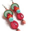 NYÁRI piros-zöld sujtás fülbevaló swarovskival, Ékszer, Fülbevaló, Gyöngyfűzés, Ékszerkészítés, Különleges, sujtás (kézi varrás) technikával készült, saját tervezésű fülbevaló,piros, narancs, men..., Meska