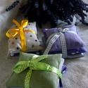 Levendulaszüret 2017. Illatpárna-csomagok, Otthon, lakberendezés, Szépségápolás, Esküvő, Meghívó, ültetőkártya, köszönőajándék, Varrás, 3 darabos levendulapárna szettek egymással harmonizáló textil-tasakokban, szalaggal átkötve.  A meg..., Meska
