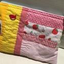 STRAWBERRIES. Epres patchwork neszi., A slow stitching, azaz a lassú, kézi öltések j...