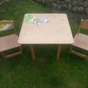 Asztal és szék Barna madaras, Bútor, Baba-mama-gyerek, Asztal, Gyerekszoba, Famegmunkálás, Festészet,  Asztal és szék     Az aukció tárgya 1 db asztal és hozzá 2db szék Fenyő alapanyagból készült egyed..., Meska