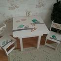 Asztal és szék, Bútor, Baba-mama-gyerek, Asztal, Gyerekszoba, Famegmunkálás, Festészet,  Asztal és szék  Az aukció tárgya 1 db asztal és hozzá 2db szék Fenyő alapanyagból készült egyedi k..., Meska